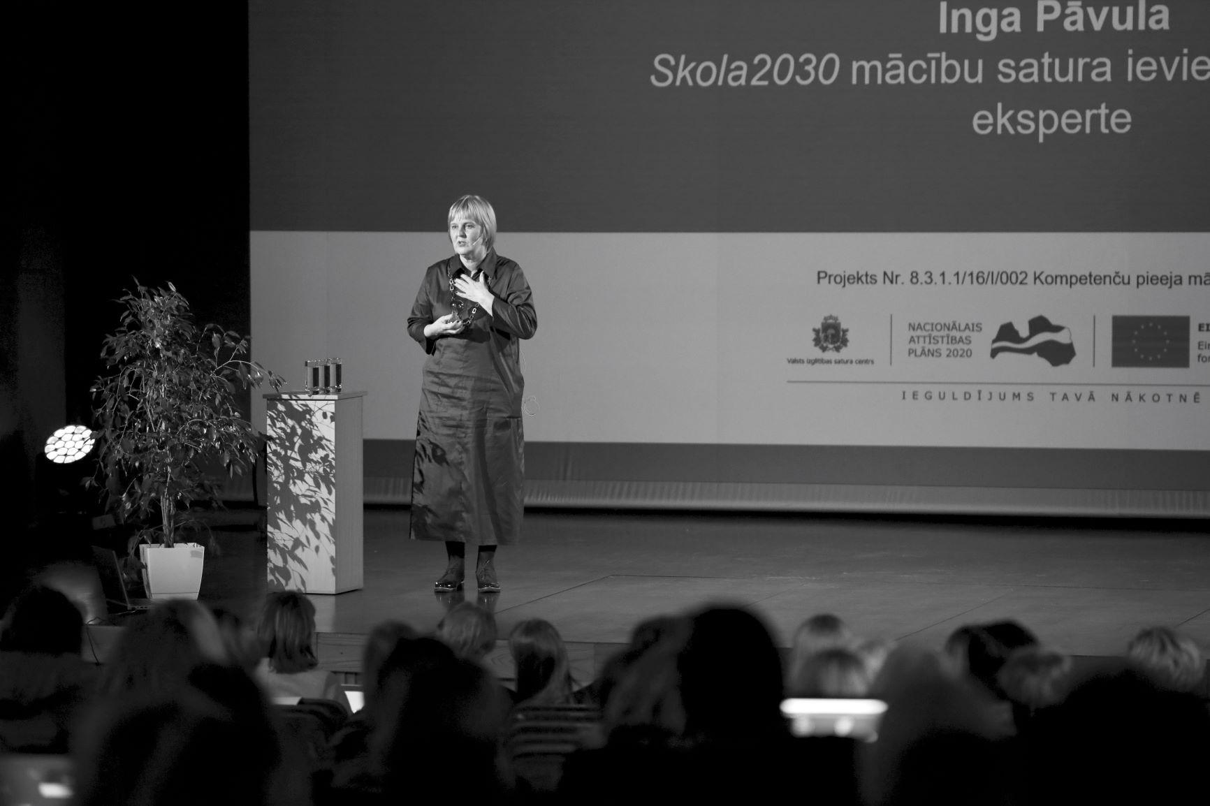 """Inga Pāvula """"Skola2030"""" konferencē """"Pasaule skolā – skola pasaulē"""" 2019. gada oktobrī Jelgavā"""